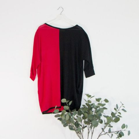 RED AND BLACK COLOURBLOCK TUNIC TOP
